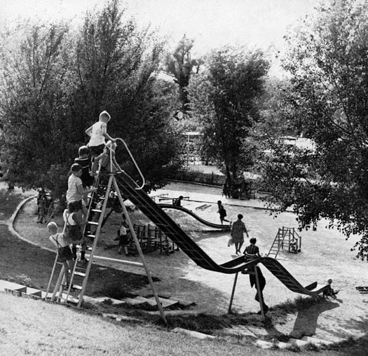 30 Vintage Playgrounds That Give Today S Parents The Cold